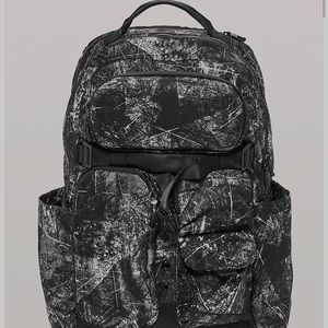 ♌️Lululemon Backpack 22L in Salt & Pepper Camo